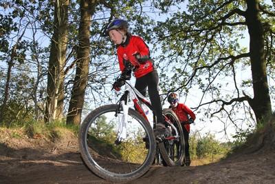 Ruim 650 fietsers genieten in Havelte tijdens Parel van Drenthe
